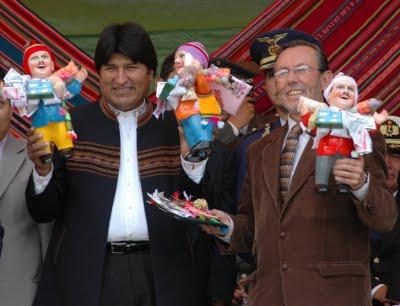 Lenda Boliviana / Peruana: Elkeko, o boneco da sorte (1/6)