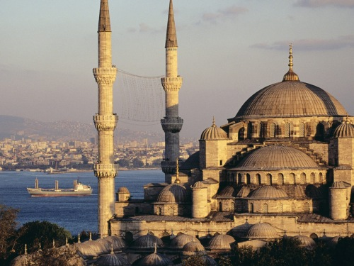 Blue Mosque and the Bosphorus, Istanbul, Turkey