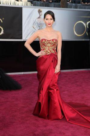 vestido-vermelho-com-dourado-2