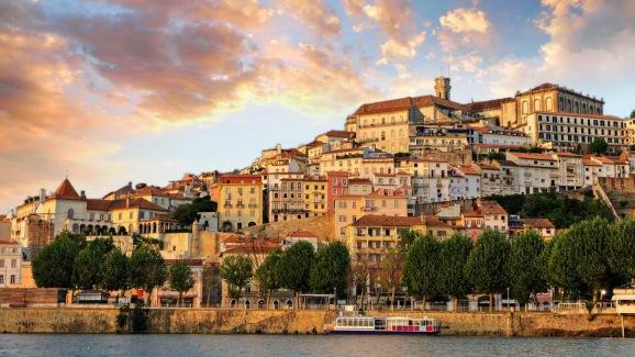Resultado de imagem para coimbra portugal